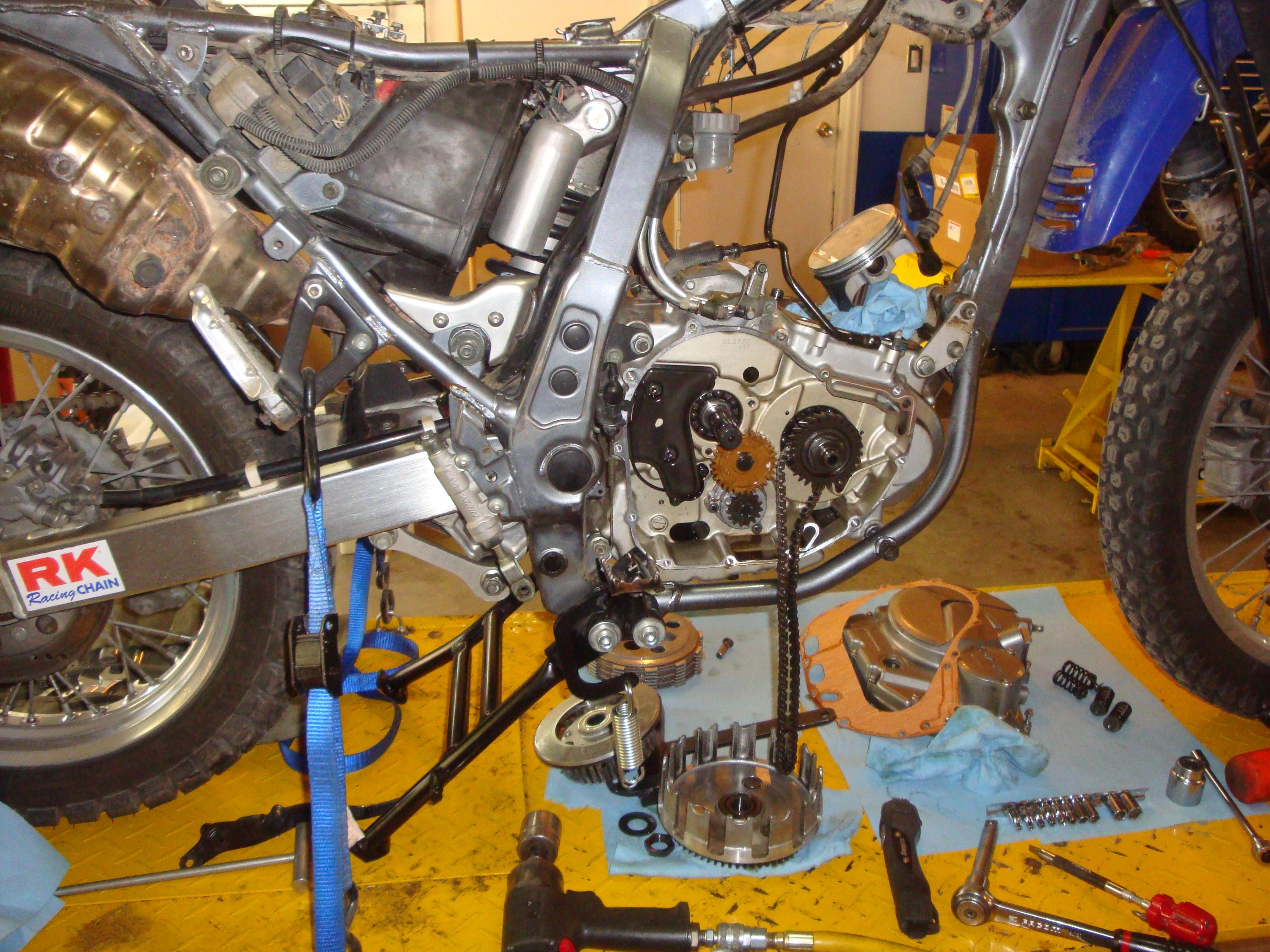 Suzuki DR650SE… the building of an RTW bike  – MotoExped